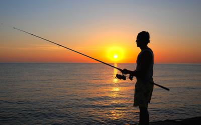 Pesca-sportiva-in-mare-da-costa